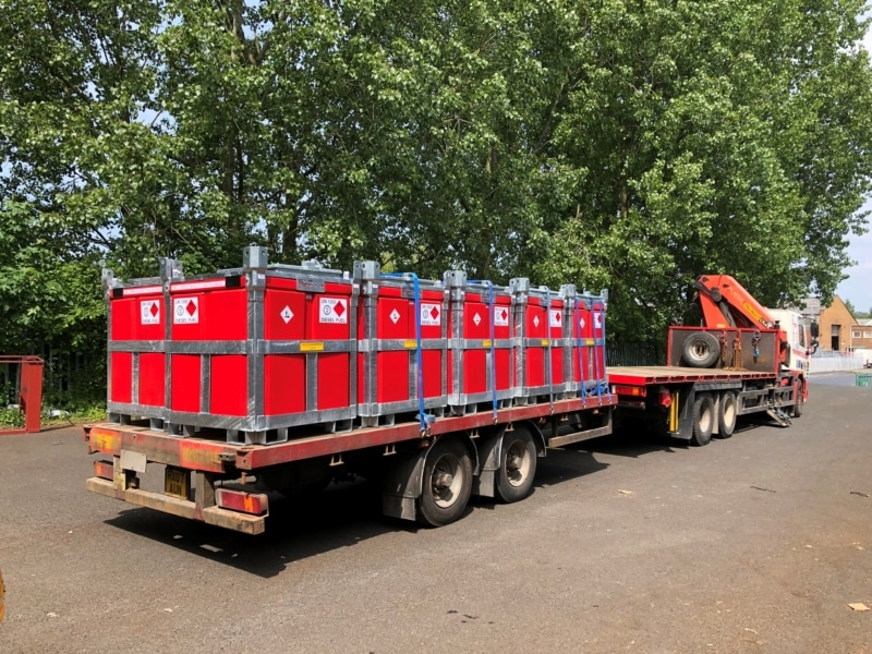 stuart power 7.5 tonne lorry trailer with 950 litre fuelcube polycube What is a Bowser? Trailer Engineering